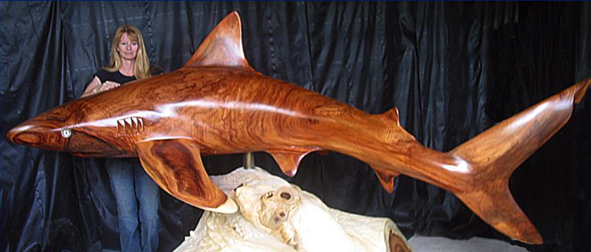 wood-carving-shark-sculpture-header-2